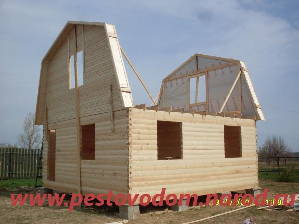 Уставновка фронтона деревянного дома
