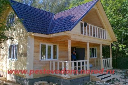 Брусовые дома с балконом фото