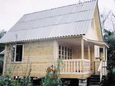 Дом с кровлей шифер