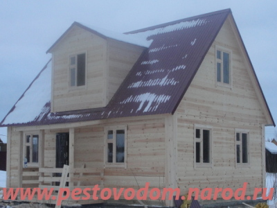 Дом с кровлей профнастил