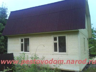 Дом с кровлей ондулин