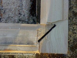 Соединение сруба стен из бруса
