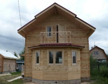 Фотография эркера в деревянном доме